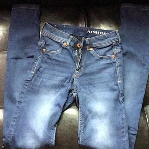Tight skinny jeans (denim jeggings)